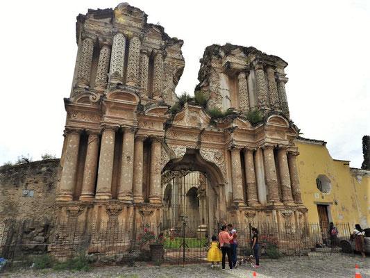 Erdbeben-Ruine