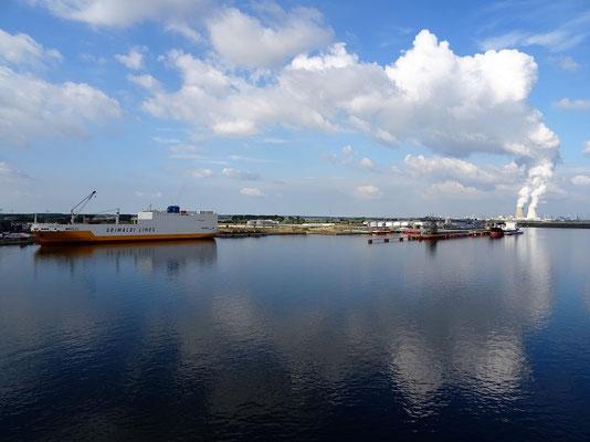 Ankunft im Hafen Antwerpen