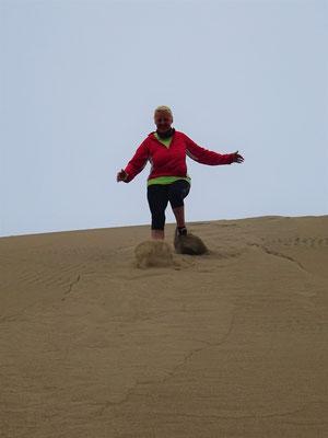 ....und entlang hohen Dünen
