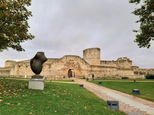 Burg von Zamorra, erbaut zwischen 10. und 12. Jh.