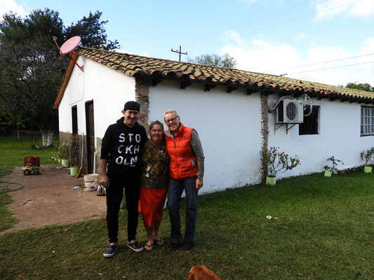 Mit Roberto Antonio Martinez und die Mutter der beiden