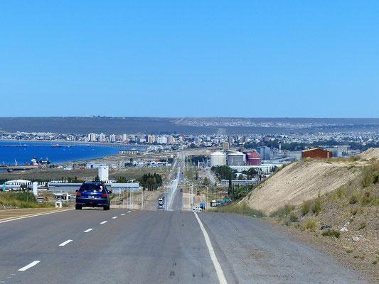 Einfahrt in Puerto Madryn