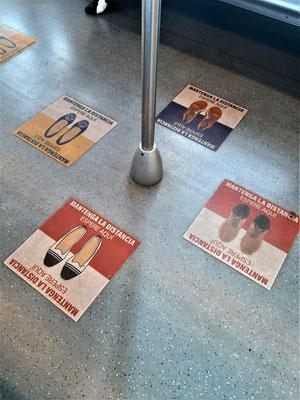 ....und stehen in der Metro