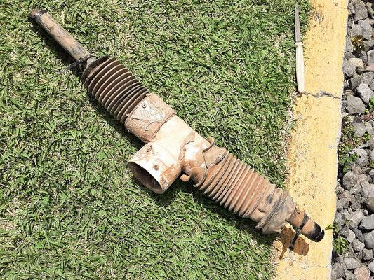 Das alte, etwas ramponierte Abwasser-Rohr....