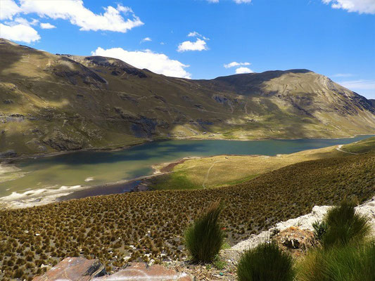 Laguna Incachaca....