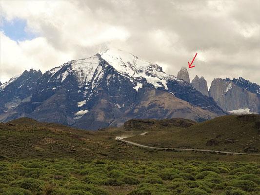 Der erste klare Blick auf unser Ziel - Torres del Paine 2850 m