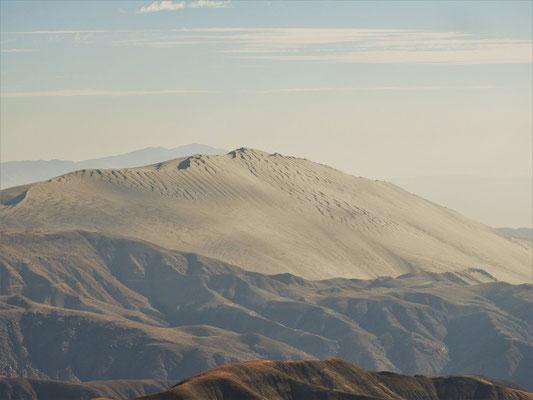 Cerro Blanco - mit 1176m vom Fuss bis zum Gipfel - die zweithöchste Düne der Welt....