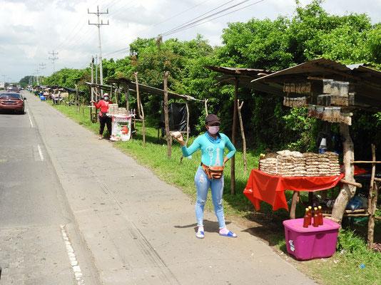 Über 50 Stände und alle verkaufen Cashew-Nüsse