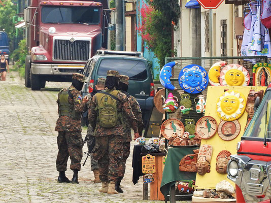 Auch hier sorgt das Militär für Ruhe und Ordnung