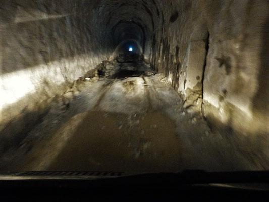 Die Tunnels sind eine grosse Herausforderung für unsere Hinterachs!!