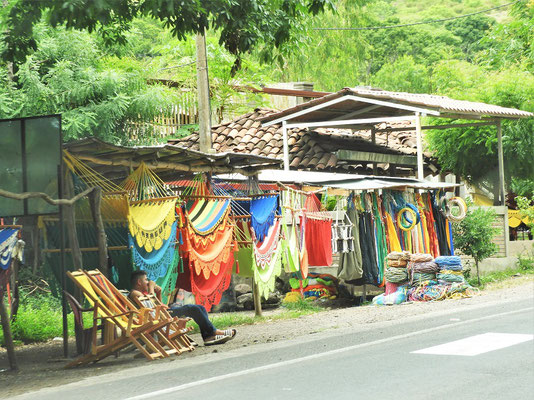 Hängematten-Marktstand an der Strasse
