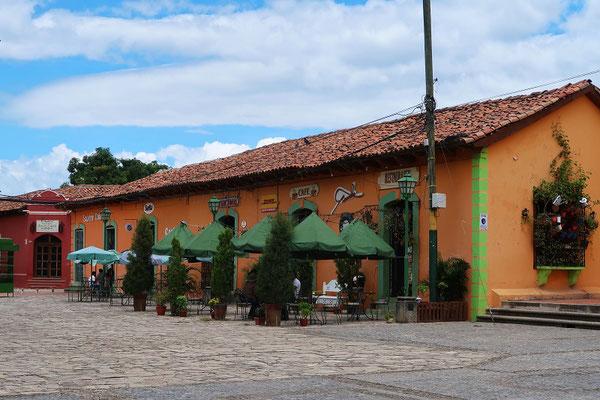 Gemütliche Restaurants an der Plaza