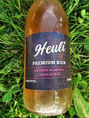 Das selbstgebraute Heuli-Bier schmeckt herrvorragend :o))