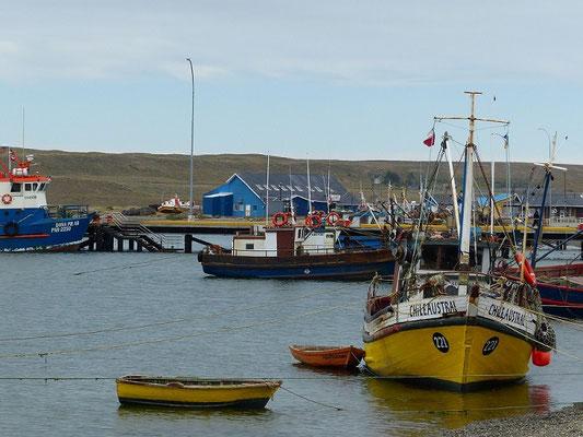 Hafen von Porvenir