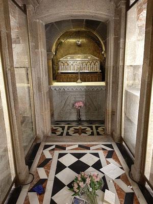 ....nur der Reliquienschrein des Apostels Jakobus kann besichtigt werden....