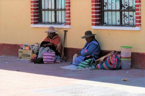 Cholitas mit den etwas moderneren Hüten
