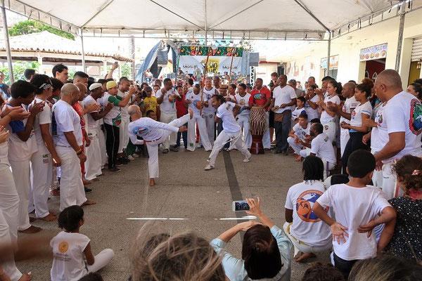 Capoeira - traditioneller Tanz, angelehnt an die Verteidigungs-Kämpfe der Sklaven
