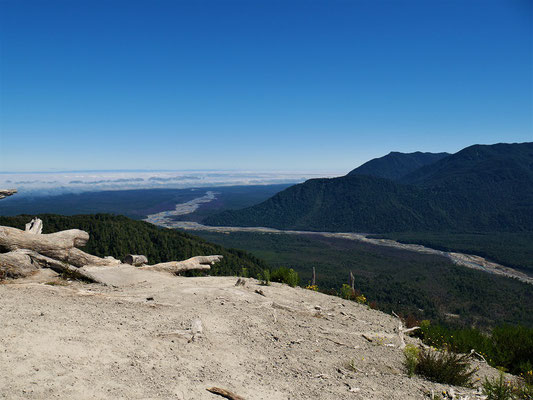 Der Río Chaitén transportierte gewaltige Schlamm Massen Richtung Pazifik