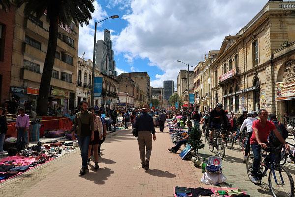 Kilometerlanger Flohmarkt