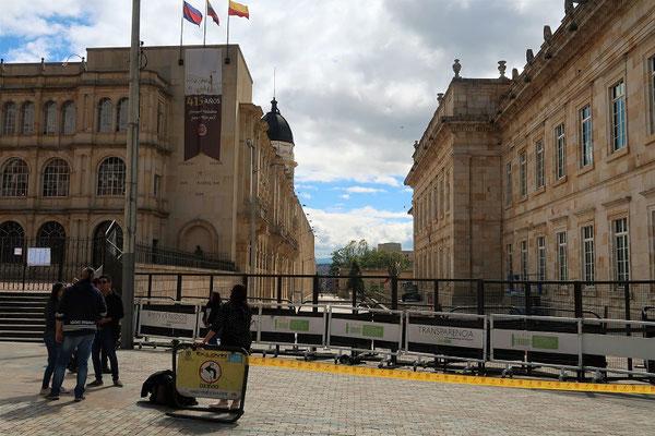 Palast des Präsidenten links