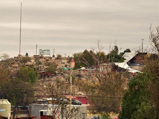 Der Grabhügel der Difunta Correa in Vallecito