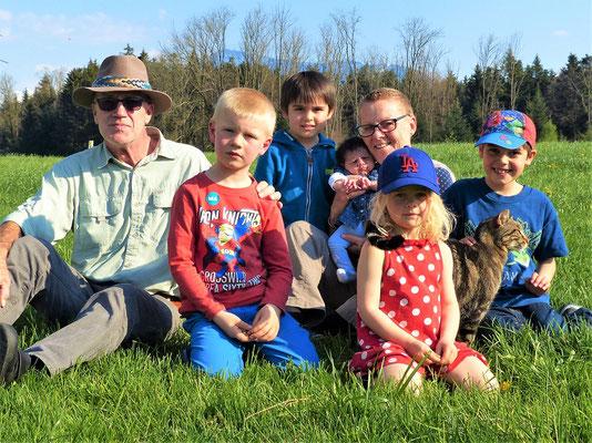 Mit unseren fünf Enkelkindern