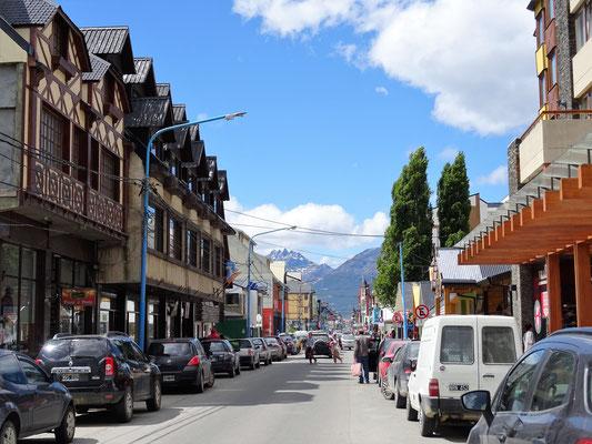 Avenida San Martin - Haupt-Einkaufsstrasse