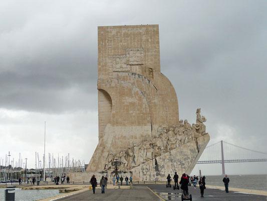Padrão dos Descobrimentos - Seefahrerdenkmal - zeigt viele wichtige Persönlichkeiten der Entdecker-Zeit
