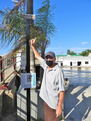 1961 nach dem Hurrikan war alles überflutet und das Wasser stand bis zur Markierung