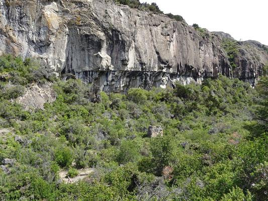 Die Felsen mit den Malereien