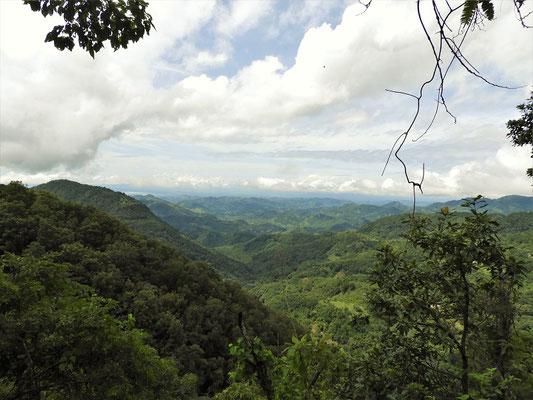 Von La Palma geht's steil runter nach San Salvador