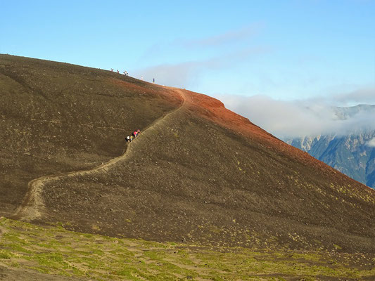 Der Wanderweg zum kleinen Krater Rojo