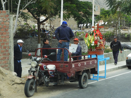 Vorbereitung für eine Prozession