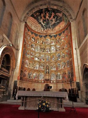 Altar der alten Kirche...