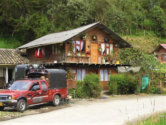 Die Häuschen erinnern uns ein wenig an die Schweiz