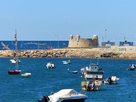 Alte Festung zum Schutz der Hafenbucht