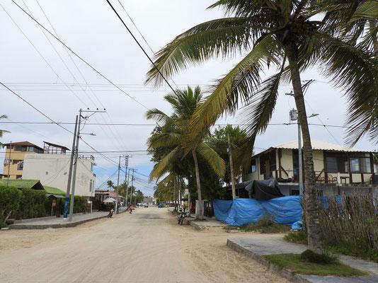 Dorfstrasse von Villamil