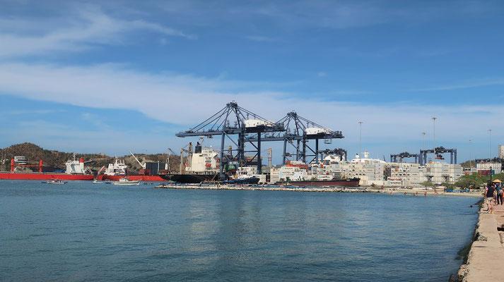 Hafen von Santa Marta