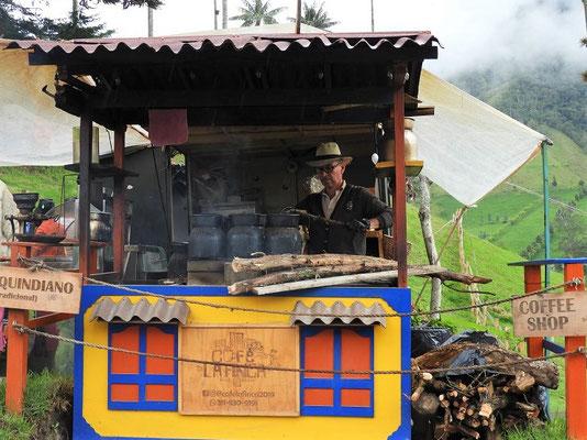 Hier wird noch Kaffee auf traditionelle Weise zubereitet
