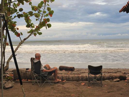 ....und das Wasser überflutet den gesamten Strand....