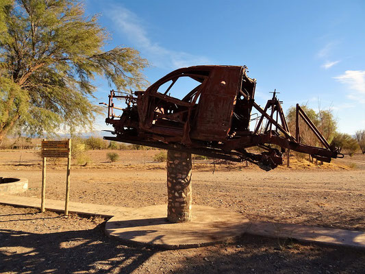 Guandacol - Denkmal Dakar Ralley 2012