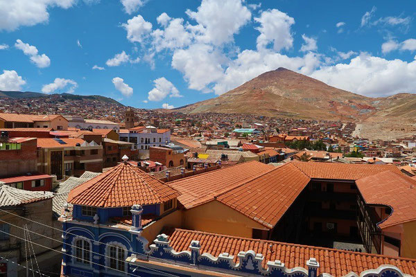 ....mit toller Aussicht über Potosí und den Cerro Rico