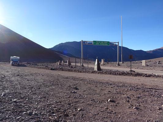 Einsam und allein übernachten wir auf 4'770 m über Meer