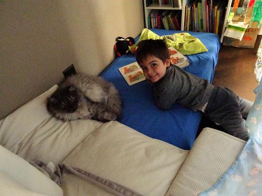 Louis macht Siesta mit Selim
