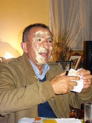 ...auch Alfredo hat was von der Torte abbekommen :o))