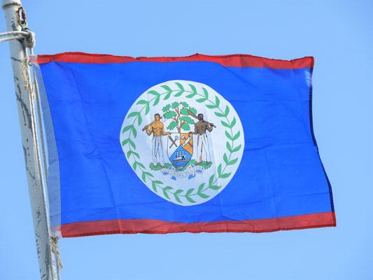 Fahne von Belize...