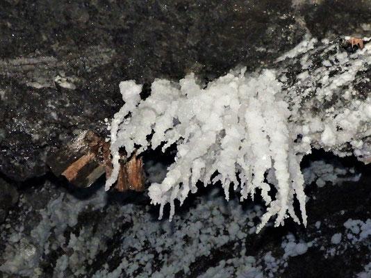 Salz-Stalaktiten