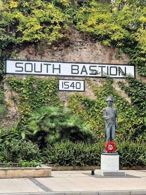 Südliche Bastion mit Admiral Lord Nelson, dem Sieger von Trafalgar