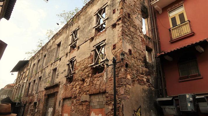 Es gibt noch zahlreiche Gebäude die renoviert werden