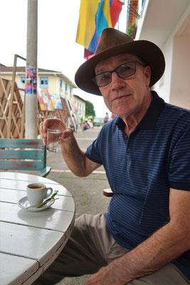 Der Arguadiente/Zuckerrohrschnaps ist besser als der Kaffee ;o))
